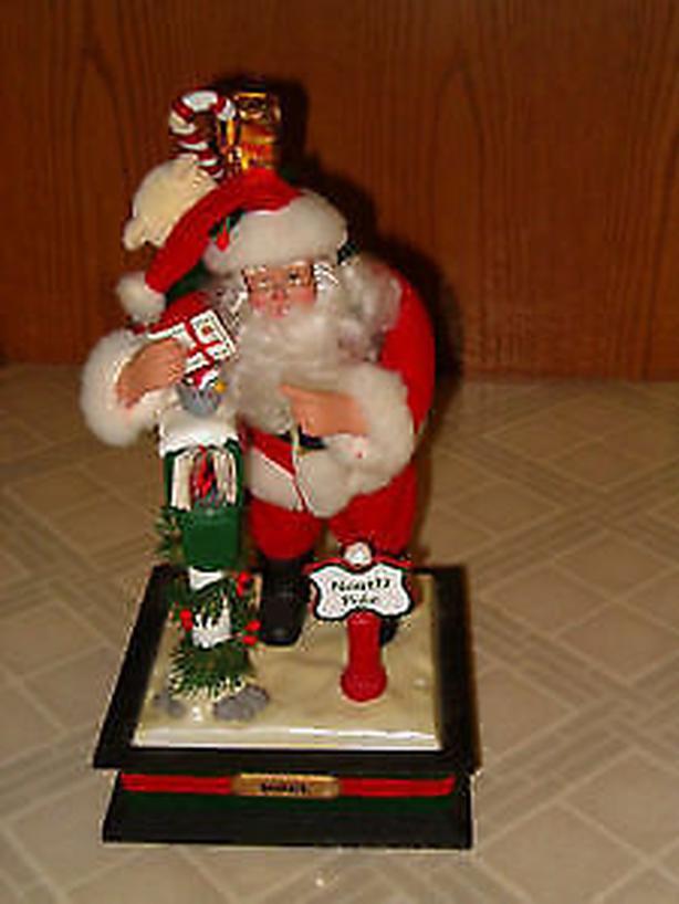 Christmas Santa Noel Santa music box