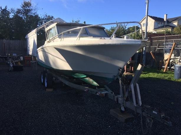 21ft Hourston Boat and trailer
