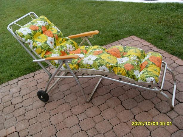 Antique Flowerbed Lounge Chair