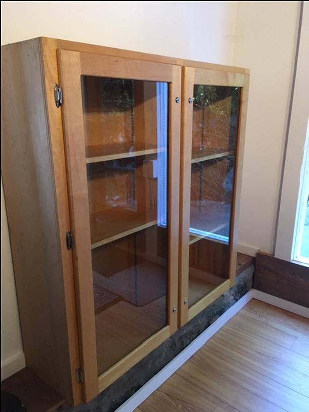 Cool Glass Cupboard/Shelf