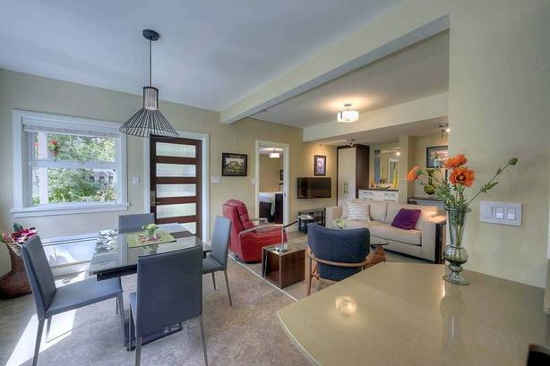 New Gorgeous Bright Contemporary Furnished Suite in Victoria #798V