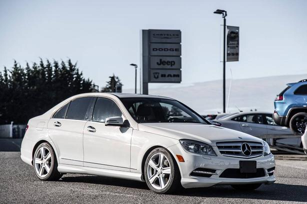 Used 2011 Mercedes-Benz C-Class C300 4MATIC Low Kilometers Power Sunroof Sedan