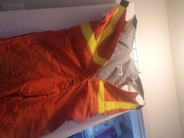 hi visibility fire resistant clothing