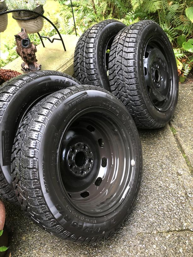 "Snow Tire/Steel Rim Package 15"" Pirelli's Like New"