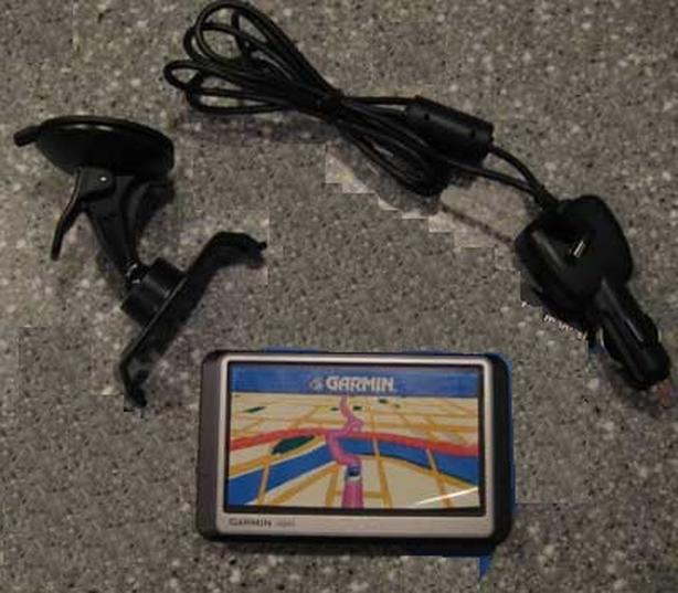 Garmin Nuvi GPS with live traffic monitor