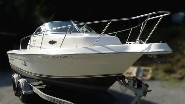 2004 / 23FT Wellcraft Coastal