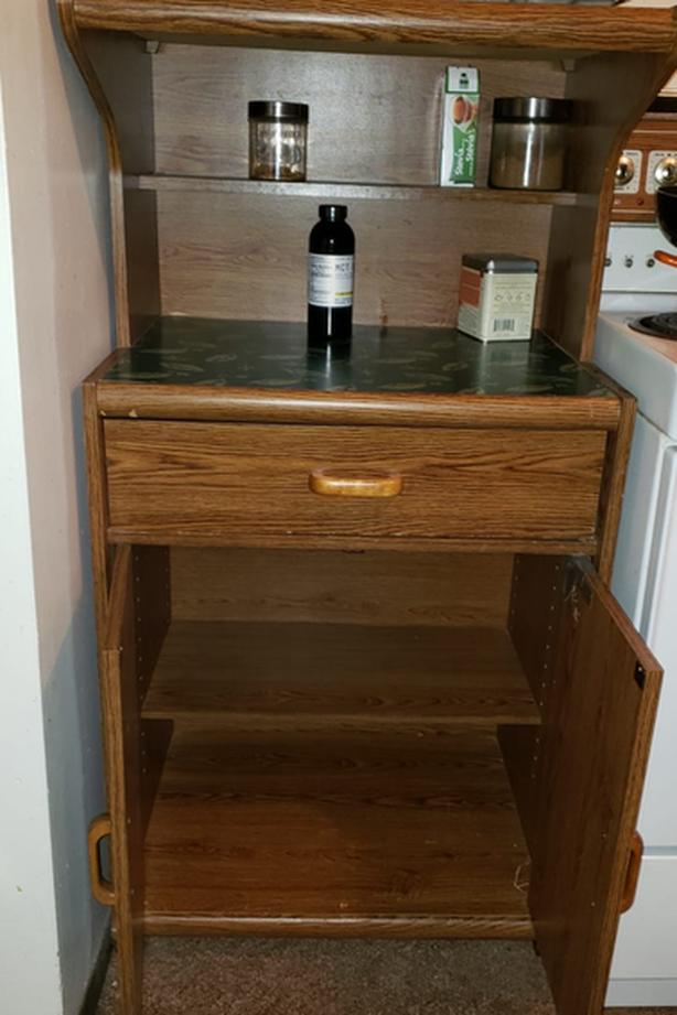 FREE: Free microwave stand