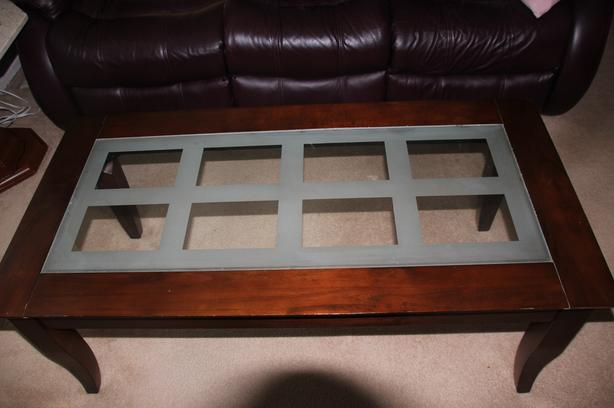 Solid wood coffee table with glass top insert
