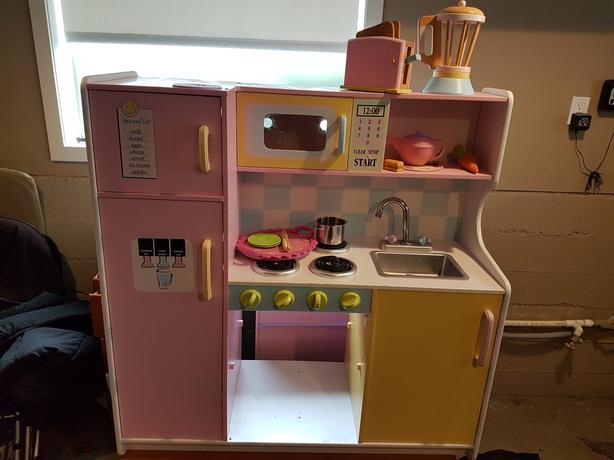 Kidscraft Uptown Kitchen Set Classifieds For Jobs Rentals Cars Furniture And Free Stuff