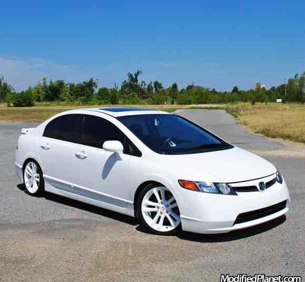 looking for white Civic Si 2006-2011 Sedan 8th GEN