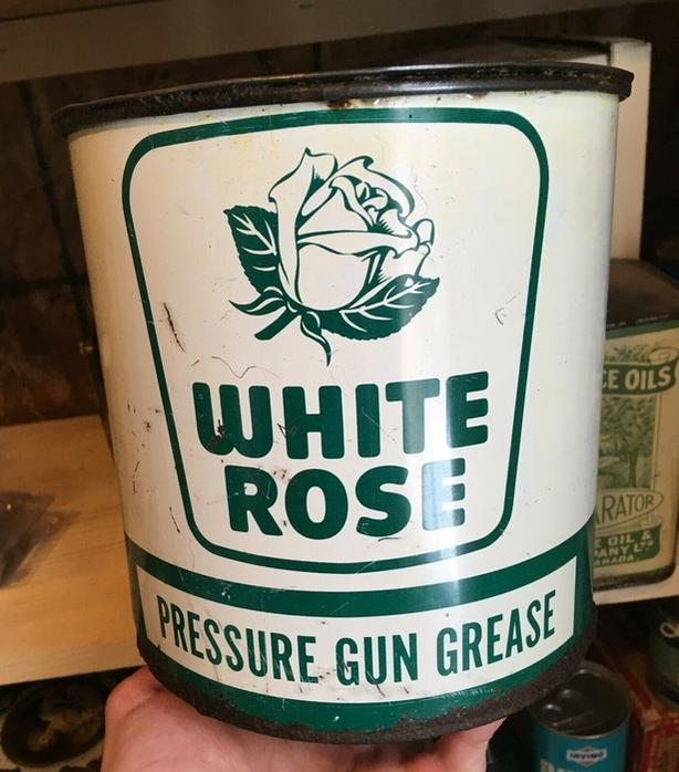 SCARCE 1950s VINTAGE WHITE ROSE PRESSURE GUN GREASE (5 LBS.) CAN