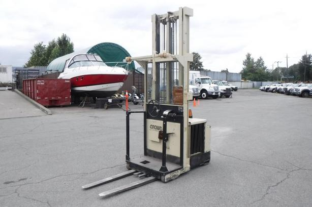 1998 Crown 30SP36TL Electric Order Picker Forklift
