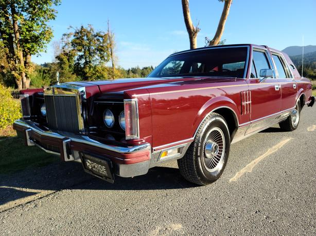 1980 Lincoln Mark VI Town Car
