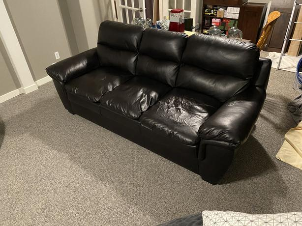 Free Couch !