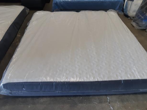 Sealy Cocoon King Size Memory Foam Mattress