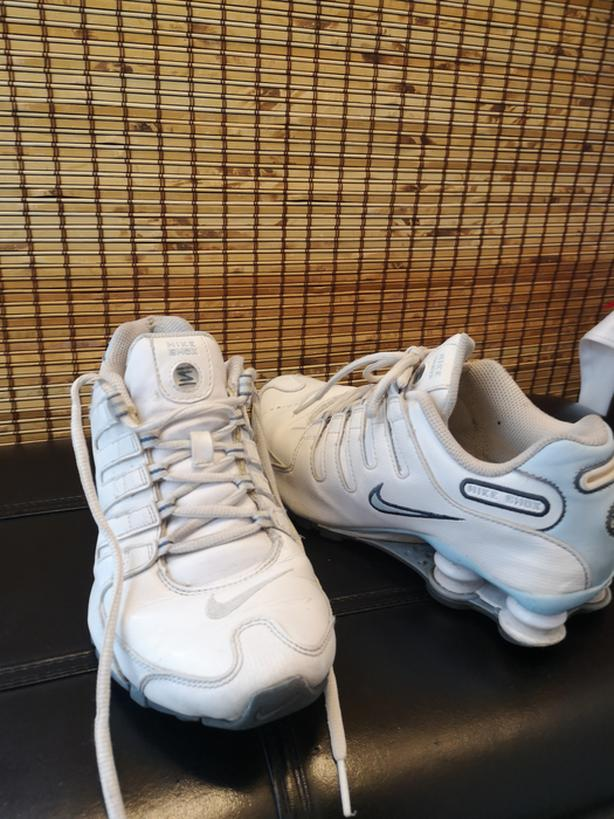 Nike Shocks white with blue accents size 8 $40