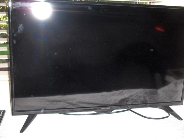 2019 32 inch Insignia LED HD TV