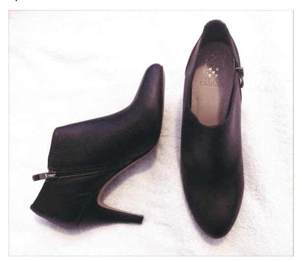 NEW Vince Camuto Booties