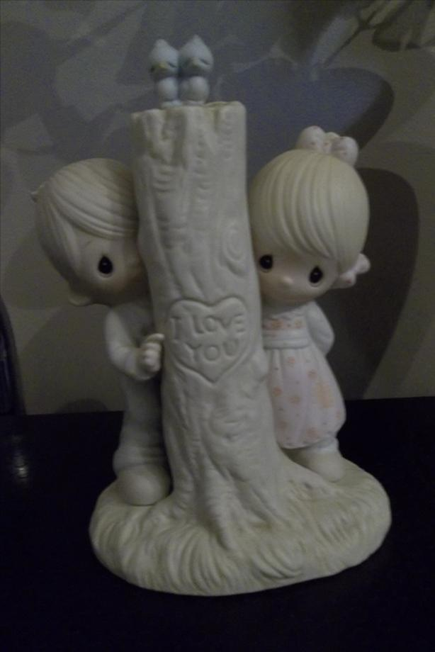 PRECIOUS MOMENTS FIGURINES FOR SALE.