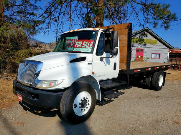 2009 International 20' FLAT DECK TRUCK