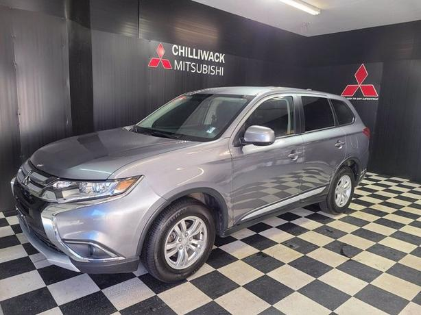 Pre-Owned 2018 Mitsubishi Outlander ES 4WD Sport Utility