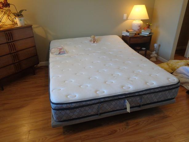 Temper/Pedic double lift bed