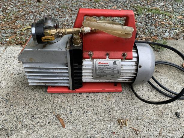Robinair 2 Stage Vacuum Pump