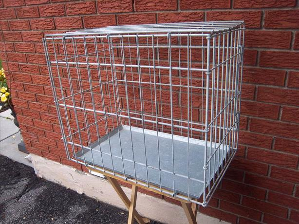 Dog crate grey