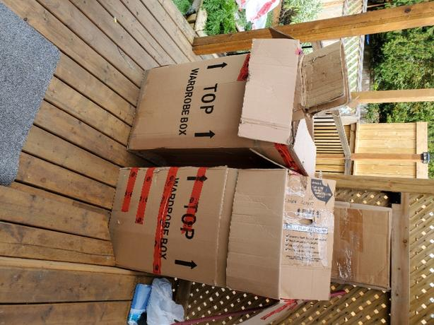 FREE: Free moving boxes