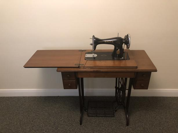 1936 Singer Sewing Machine Treadle and accessories