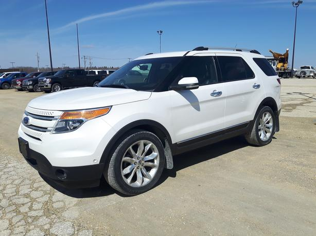 2011 White Ford Explorer Limited 4WD 7X016A
