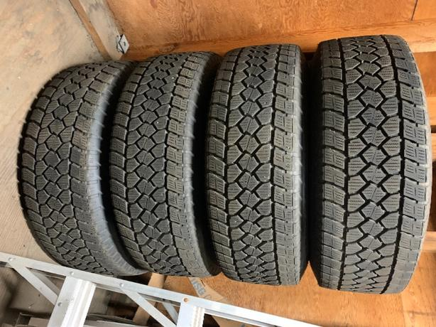 LT285/70R17 Toyo Winter tires/dodge wheels