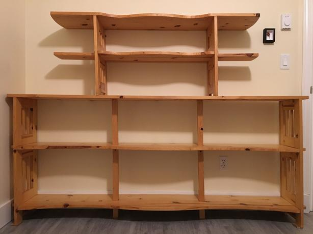 Bookshelf: solid pine