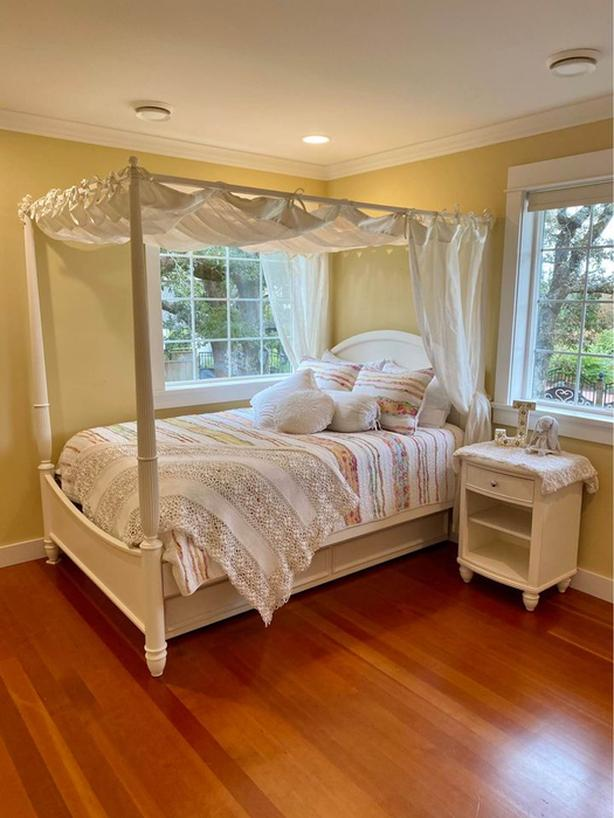 Beautiful Double Canopy Trundle Bed
