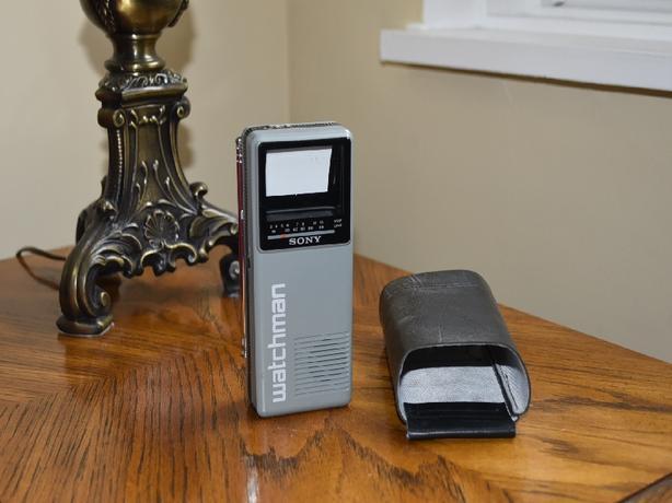 Rare Sony FD-10A Watchman Portable B&W TV