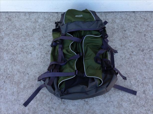 Camping Adventures MEC Adult Back Pack Trail Pack Sage Green Grey Excellent
