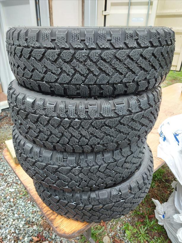 185/60R15 Pacemark Snowtrakker Winter Tires (4)
