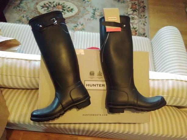 New Hunter boots sz 8