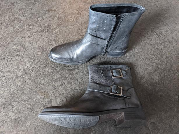 Hush Puppies Black Boots - Size 7