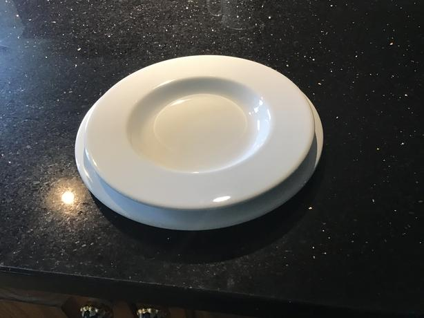 Dinner plates and soup bowls