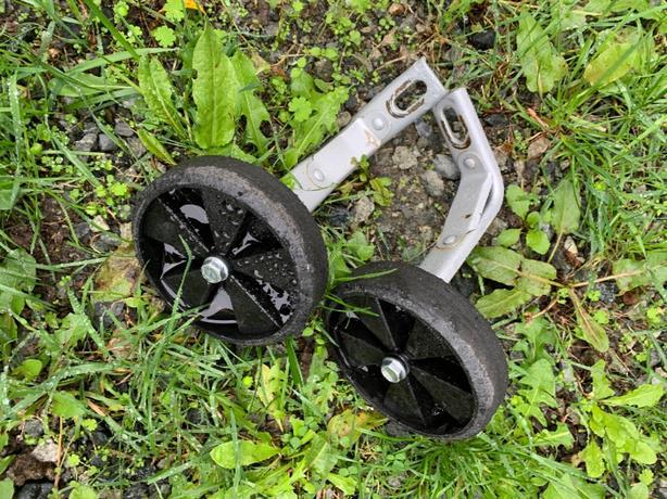 "training wheels from 14"" kids bike"