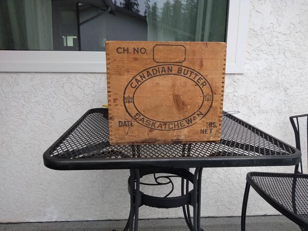 Vintage-Canadian-Butter-Saskatchewan-Wooden-Crate--Rustic-Farm-Decor