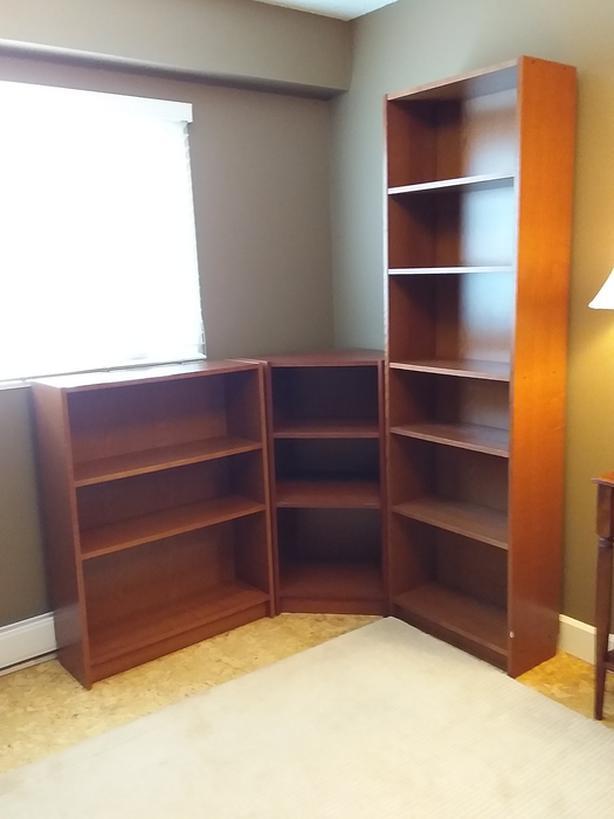 Corner shelving/bookcase
