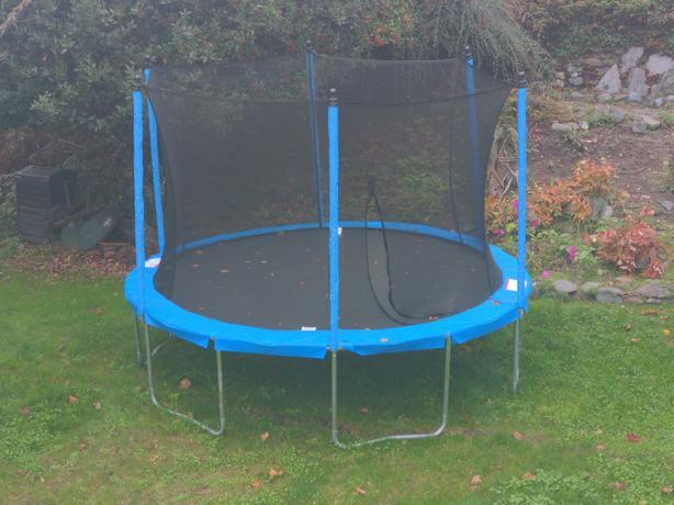 12' trampoline. Brand new