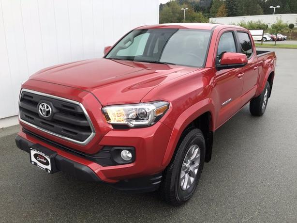 Certified Pre-Owned 2017 Toyota Tacoma SR5 4WD Crew Cab Pickup