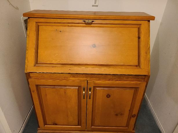 Secretary Desk with Hutch (SOLID PINE/CUSTOM MADE)