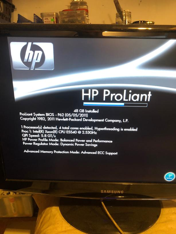 HPE Proliant DL380 & Supermicro Server