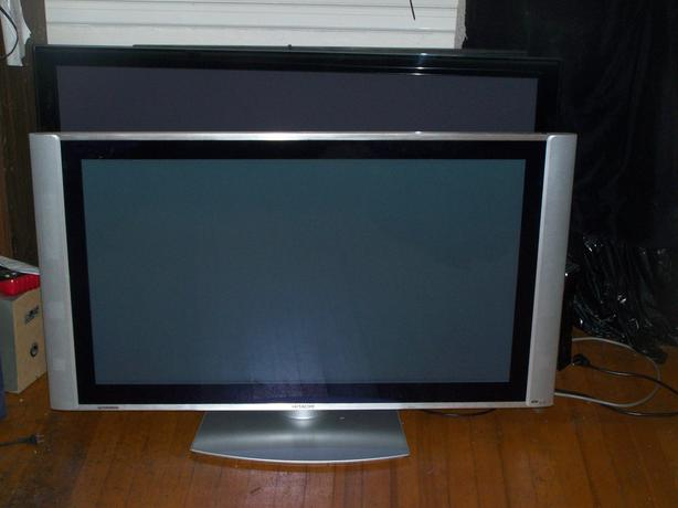 Hitachi 42 inch Flat Screen