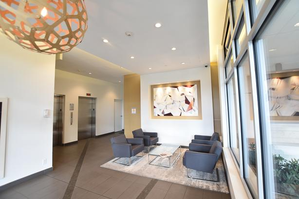 * Incentive * One Bedroom located in the heart of Downtown!