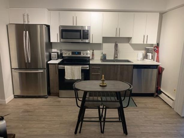 Parc View Southgate - Top Floor Studio Available December 1st